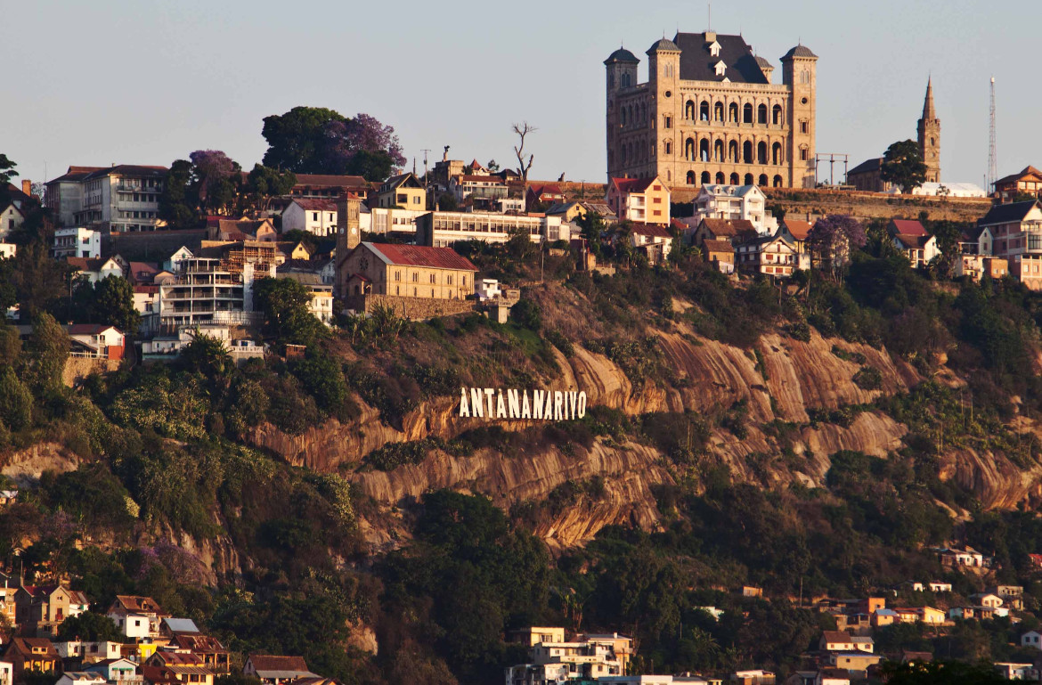 Hollywood sign Antananarivo