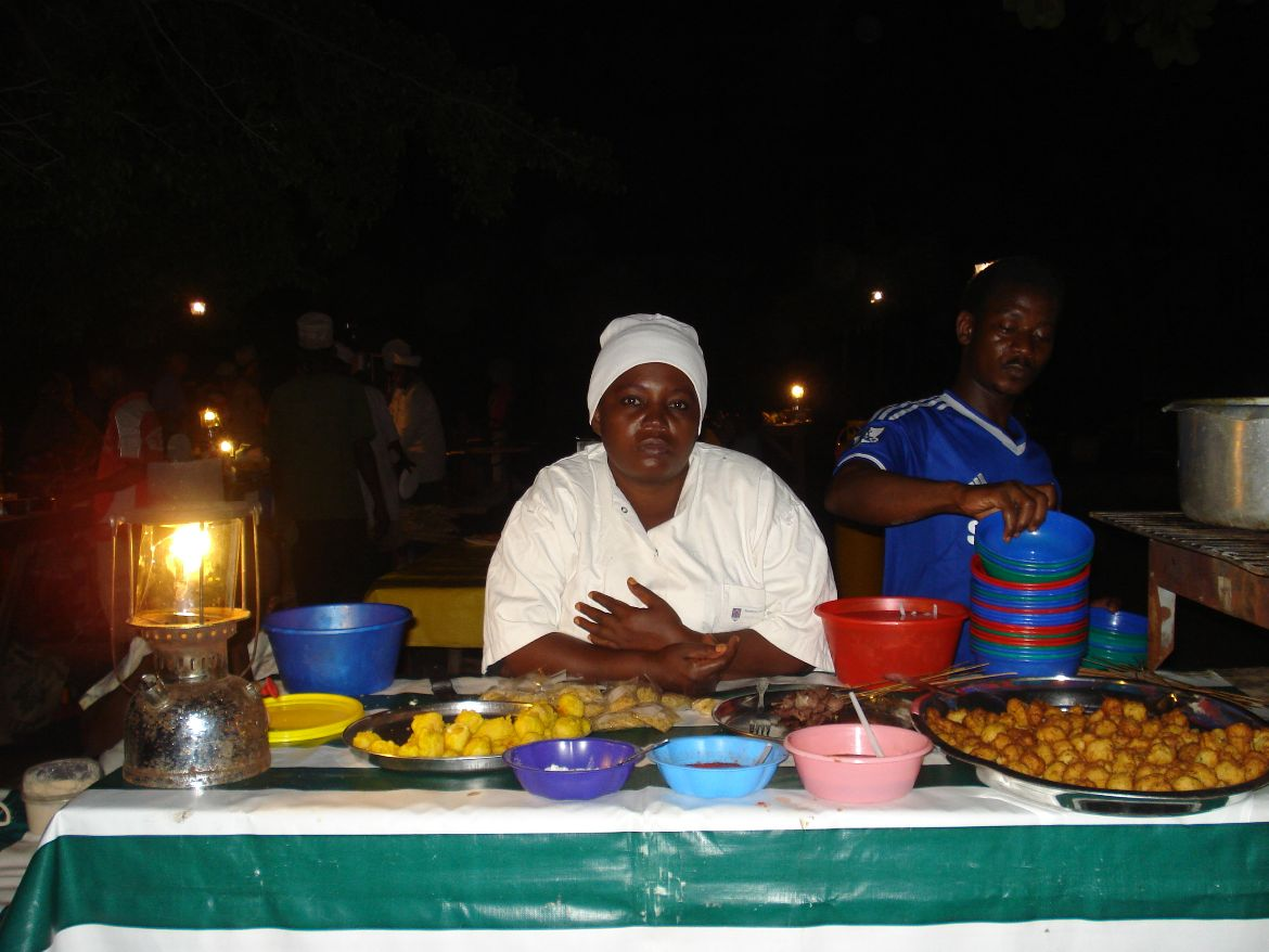 Night market Stone Town Sansibar Only woman